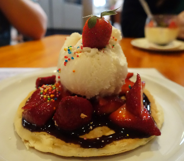 Strawberry pancake (daily special)