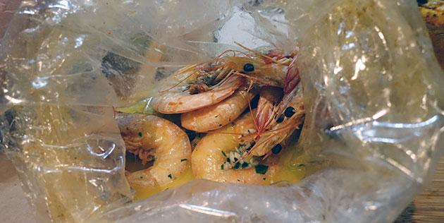 300gm prawns ($18) with garlic butter