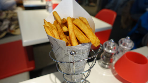 Fries with mayonnaise, $3.75EU