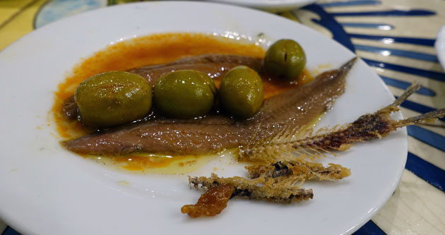 Anchovy with fried fishbone, 2.40 Euro
