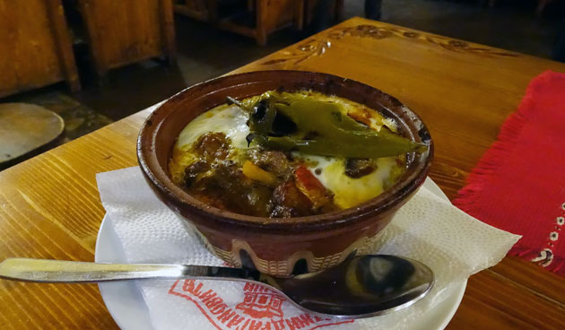 Kavarma po radomirski (Braised in clay pot, pork with vegetables and egg on top), 12.20 Bulgarian lev