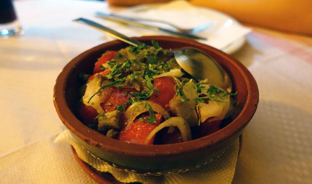 Serbian salad (tomato, paprika, cucumber, hot pepper, onion), 160 Serbian Dinar