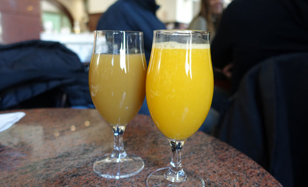 Freshly squeezed orange juice (295 Serbian Dinar) and pineapple juice (240 Serbian Dinar)