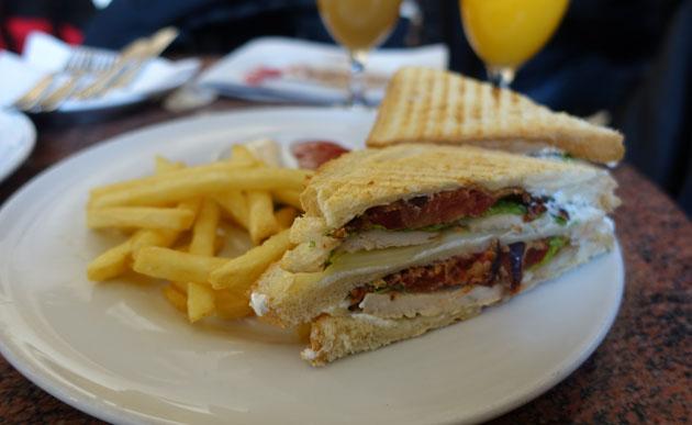 Club Sandwich (490 Serbian Dinar)
