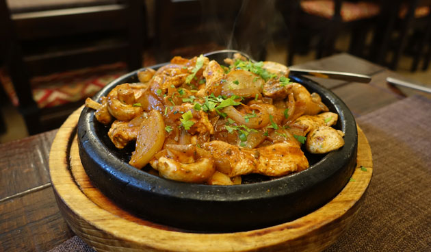 Chicken satch, monk's style (chicken fillet with mushrooms, onion, tomatoes and spices), 12.90 Bulgarian lev