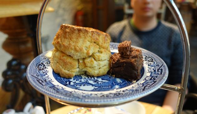 Cream Tea (scone, brownie)