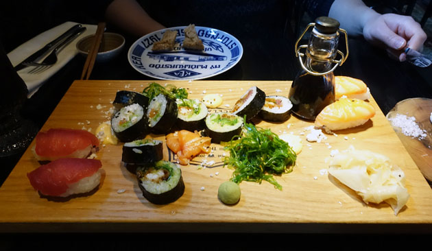 Mixed Sushi of the Day (14 pieces), 2490 Icelandic Krona