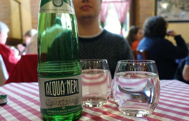 Nepi sparkling water, 3 Euro