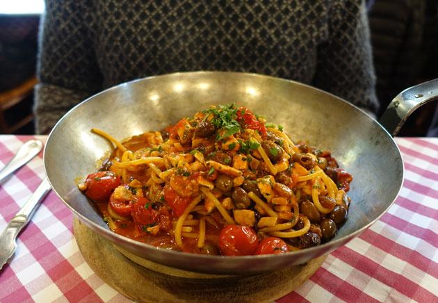 Spaghetti con Spada (swordfish), 16 Euro